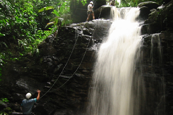 Canyoning in Turrialba