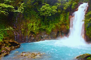 Rio Celeste in tenorio national park